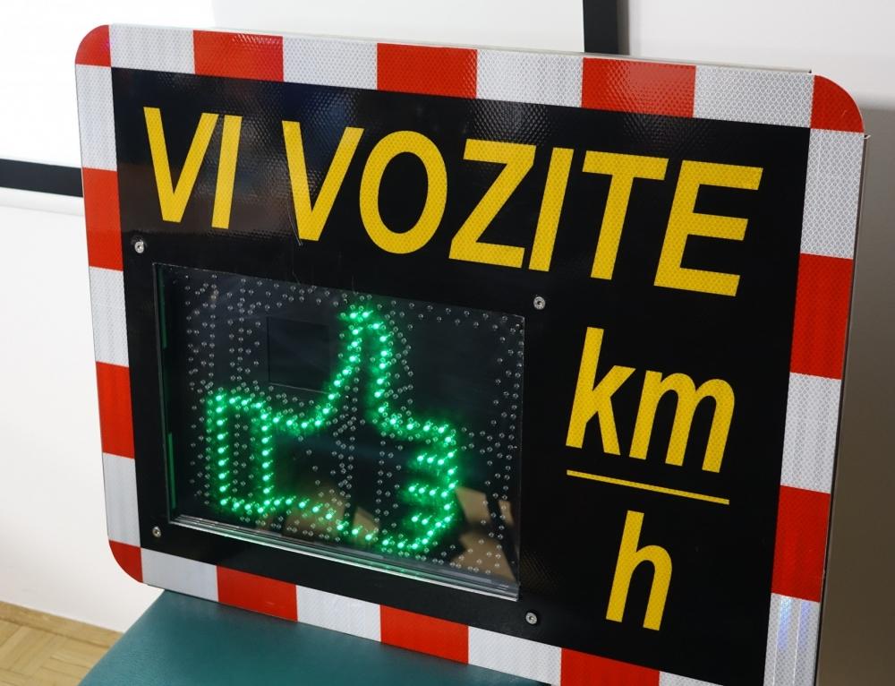 S prikazovalniki hitrosti do večje varnosti v lokalnih skupnostih