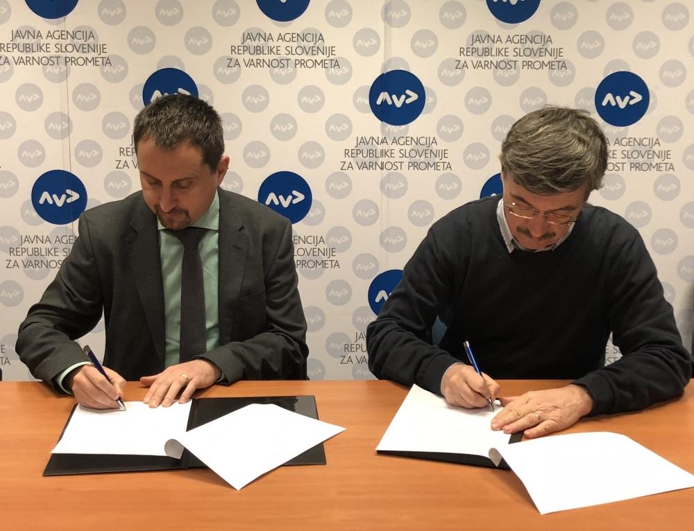 AVP in Karitas podpisala sporazum o sodelovanju na področju prometne varnosti