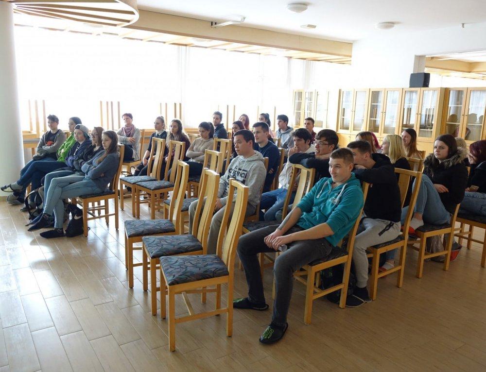 AVP organizirala delavnice Vozimo pametno na SGTŠ v Radovljici