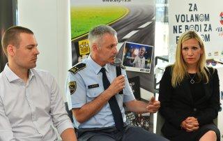Foto 2 – (od leve proti desni): Tine Lugarič – Luna \TBWA, mag. Ivan Kapun - Policija, Vesna Marinko, mag. upr. ved, v. d. direktorice Agencije za varnost prometa.